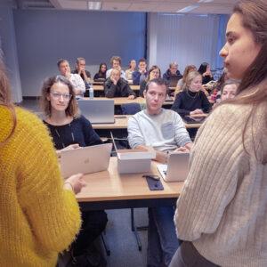 foto van samenwerking tussen de studenten van communicatiemanagement aan howest in kortrijk en het belgisch bedrijf foodbag